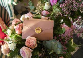 Памела Андерсон выпустила коллекцию сумок из яблочной кожуры