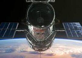 Hubble сфотографировал стремительно удаляющуюся галактику