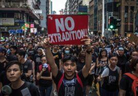 Миллионам гонконгцев станет проще получить британский вид на жительство