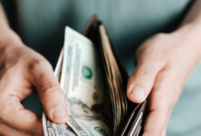 Миллионеры попросили повысить им налоги