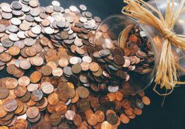 Нацбанк выпустил коллекционные монеты к 25-летию Конституции Казахстана