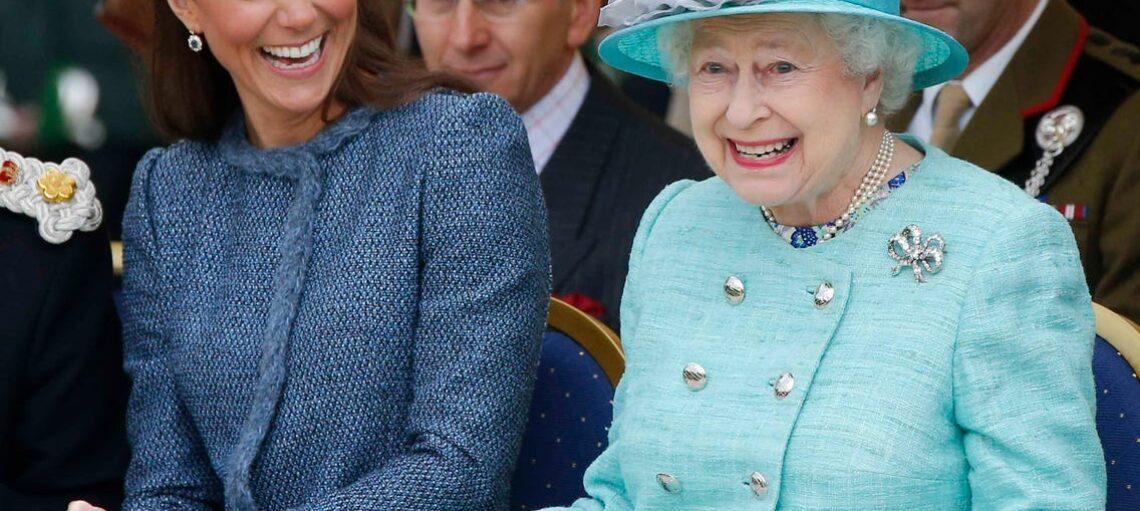 Королева Елизавета II запустила производство джина собственной марки