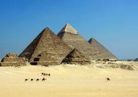 В Египте нашли 100 саркофагов, которые пролежали нетронутыми 2500 лет