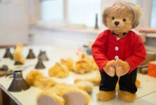В Германии выпустили коллекционных плюшевых мишек в образе Меркель